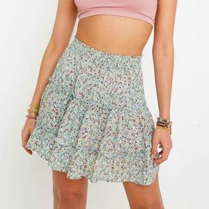 UO Maisie Floral Tiered Mini Skirt Size Small
